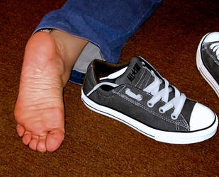 My feet fresh out of smelly sneakers 03 by piaslave