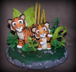 tigers cake topper