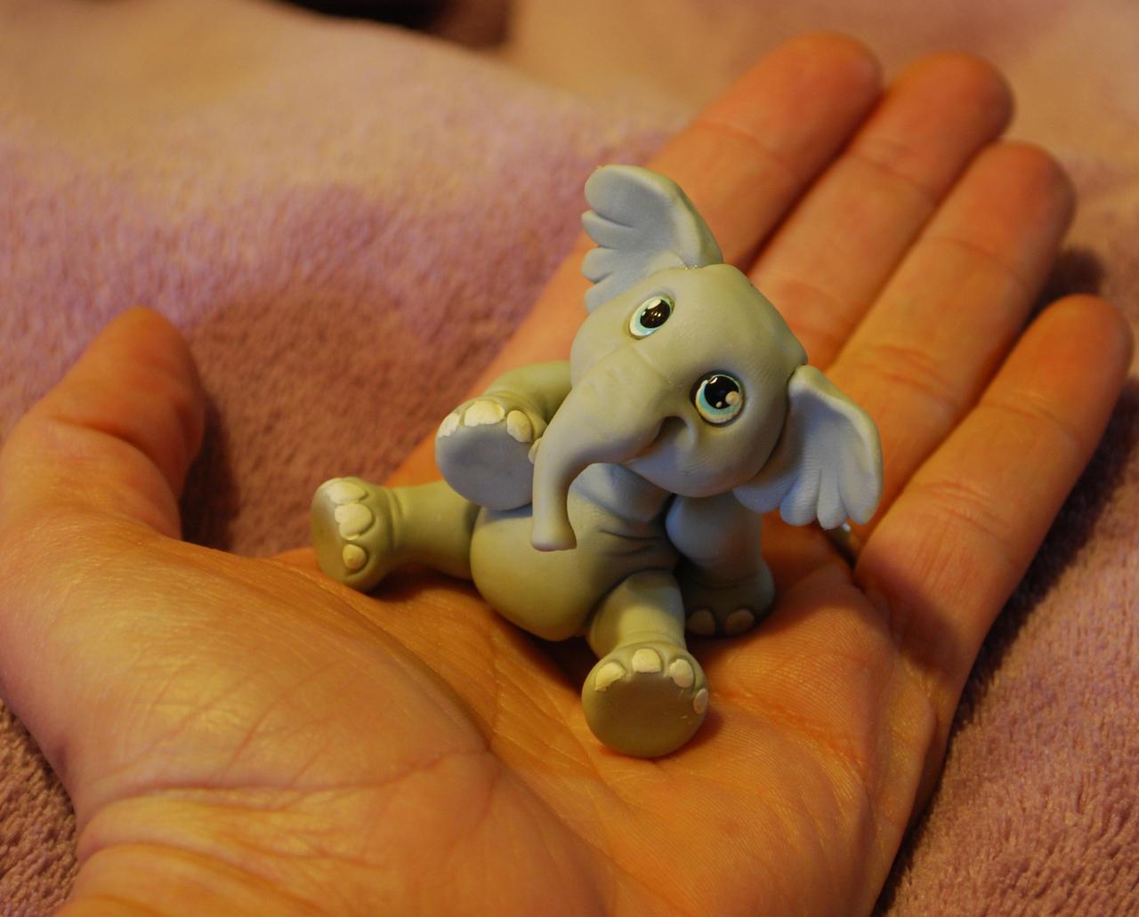 elephant in my hand by melinaminotti