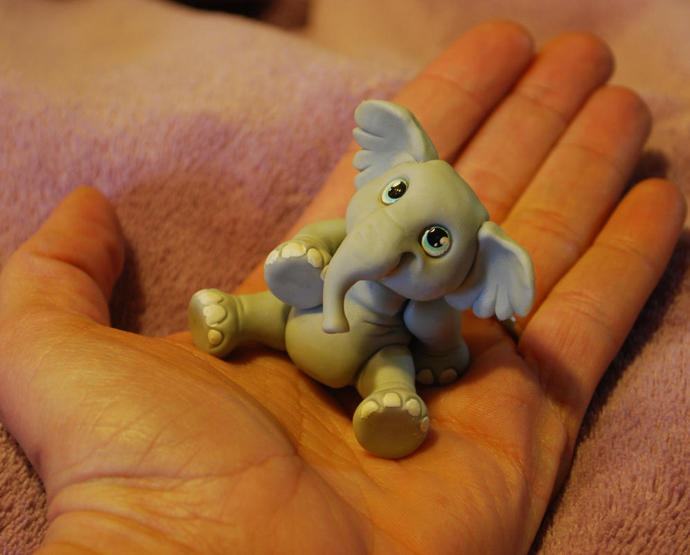 elephant in my hand by melinaminotti