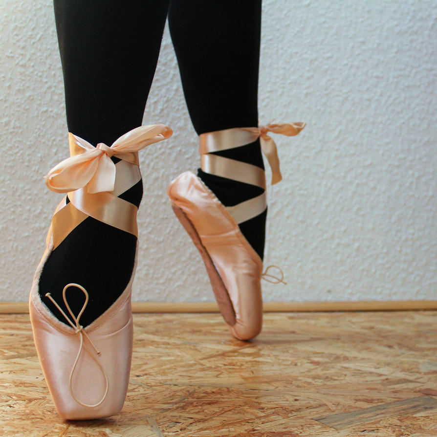 pointe shoes in light pink by margaritat on deviantart