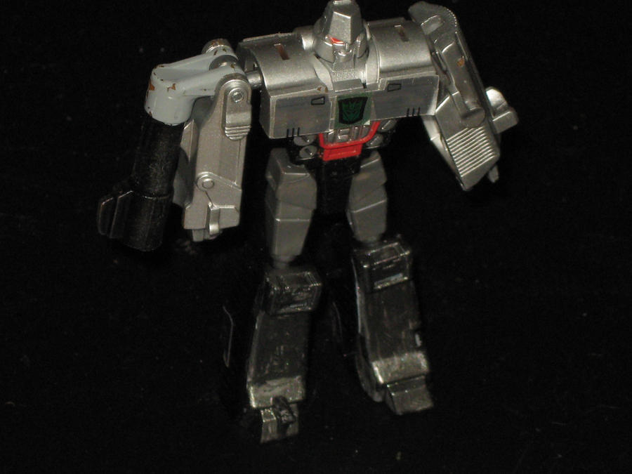 slight) repaint of RTS Legends Megatron - DescentBB