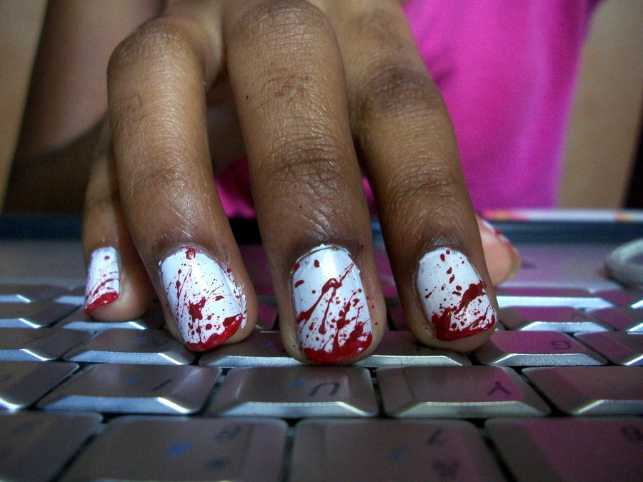 Bloody nails by Shi-Cake