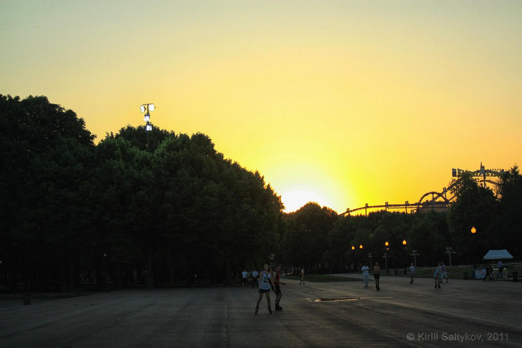 Sunset in Gorky Park (Moscow) by skv1991