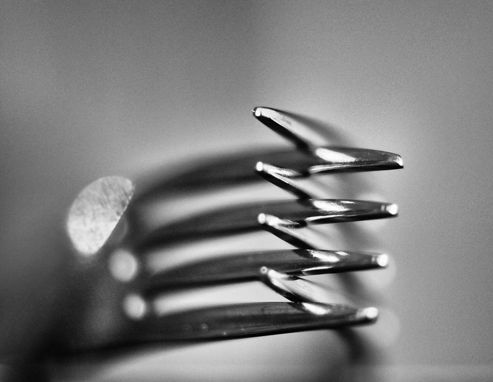 The spaces between my fingers where yours fit by Peterix