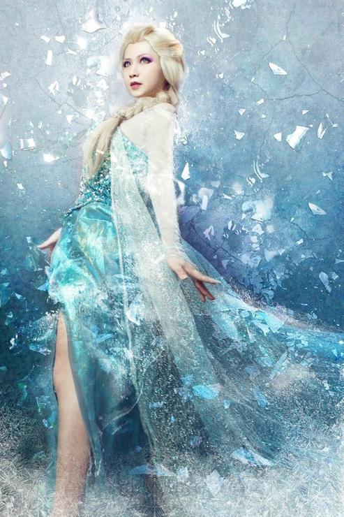 Queen Elsa by Aelliseu