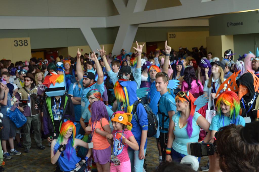 BronyCon 2013 Rainbow Dash + CMC by AleriaVilrath