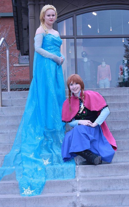 Frozen: Queen Elsa and Princess Anna by Vocaloid01leaklady