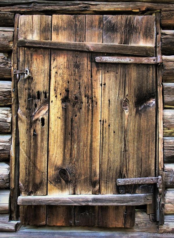 Old Door by Pajunen