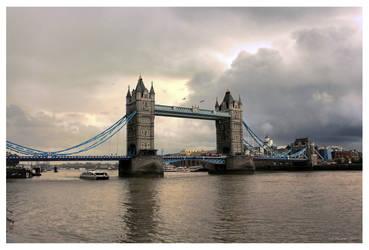 London Tower Bridge by Pajunen