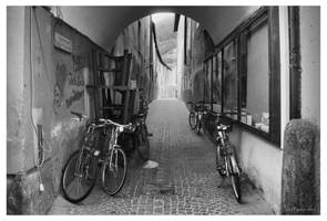 Side Alley in Vipiteno by Pajunen