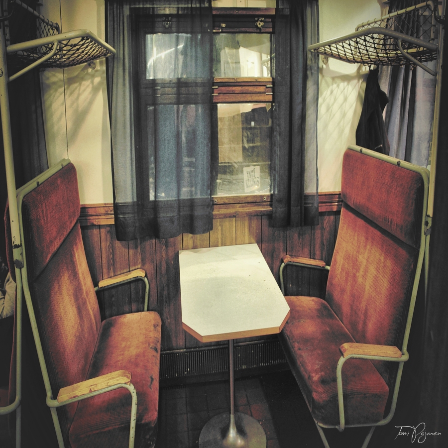 Old train cafe by Pajunen