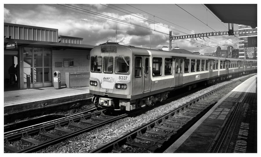 Dublin Train by Pajunen