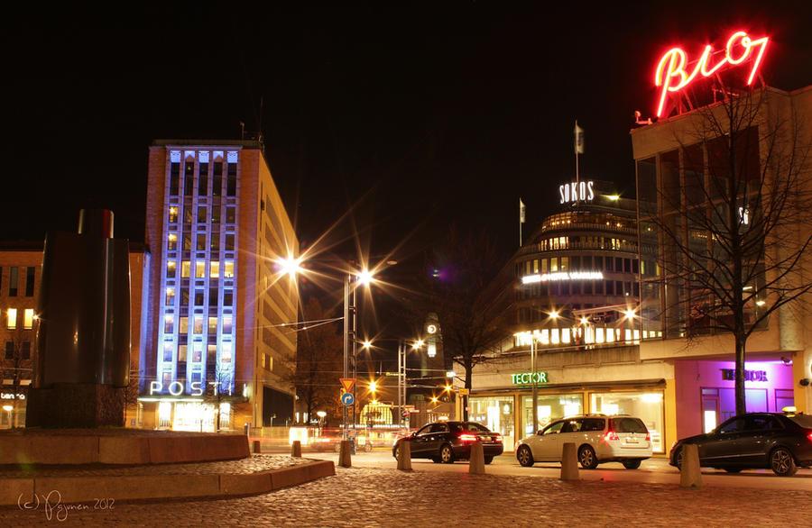 November night in Helsinki by Pajunen