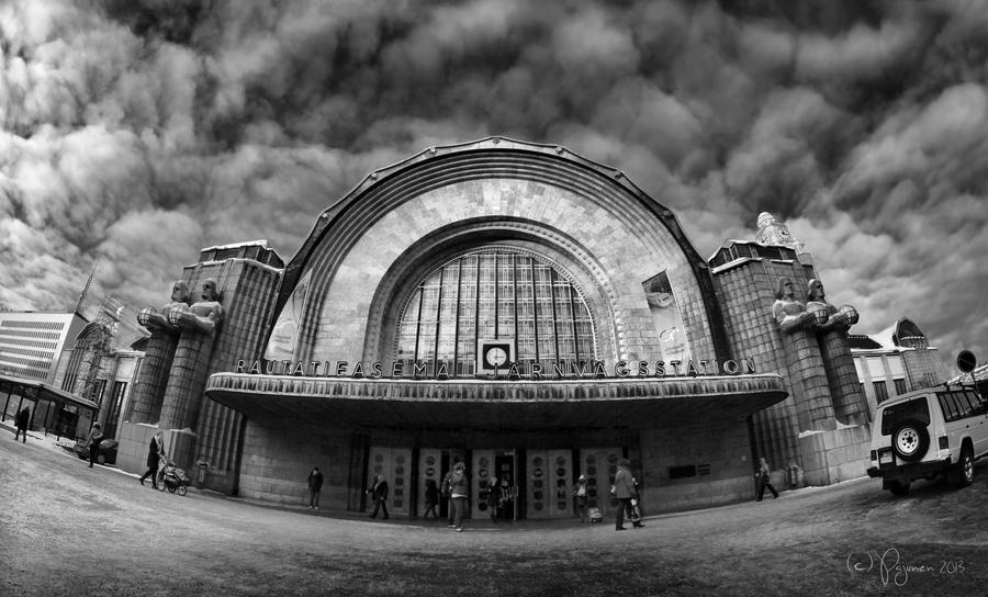 Helsinki Railway Station by Pajunen
