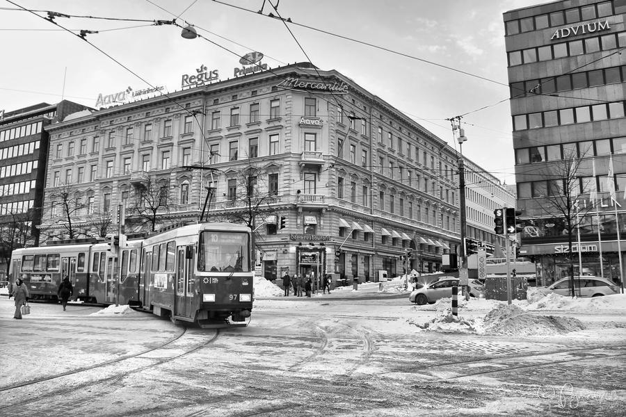 Helsinki Tram by Pajunen
