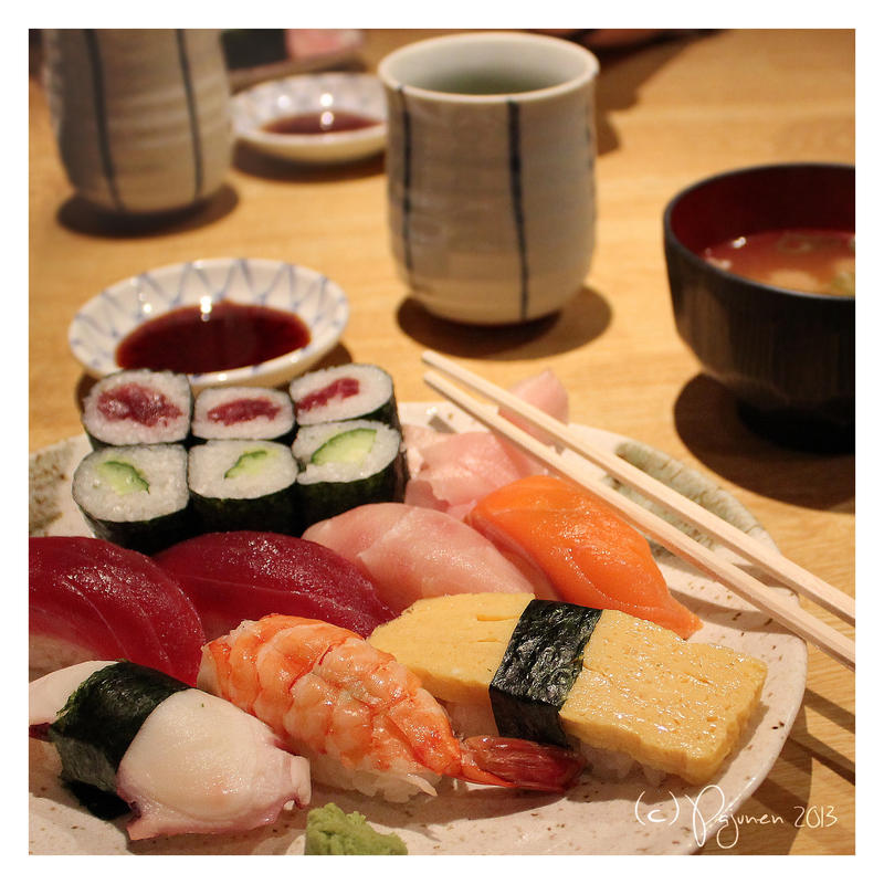 Sushi by Pajunen