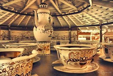 Tea time by Pajunen