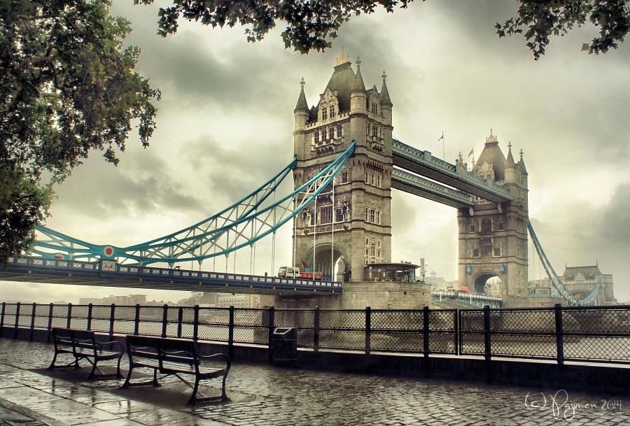 Tower Bridge London by Pajunen