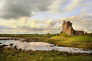 Dunguaire Castle Ireland by Pajunen