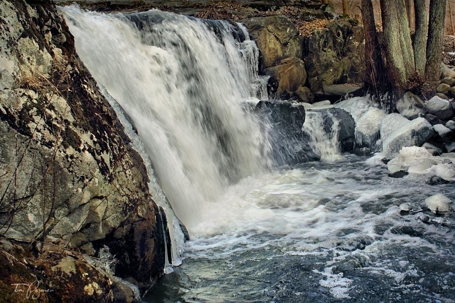 Small Waterfall By Pajunen On Deviantart
