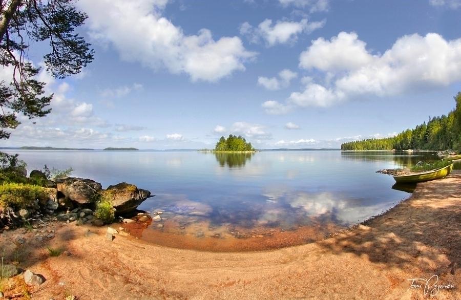 Summer beach by Pajunen