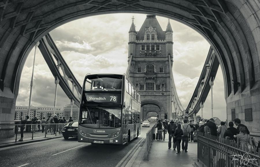 London City Life by Pajunen