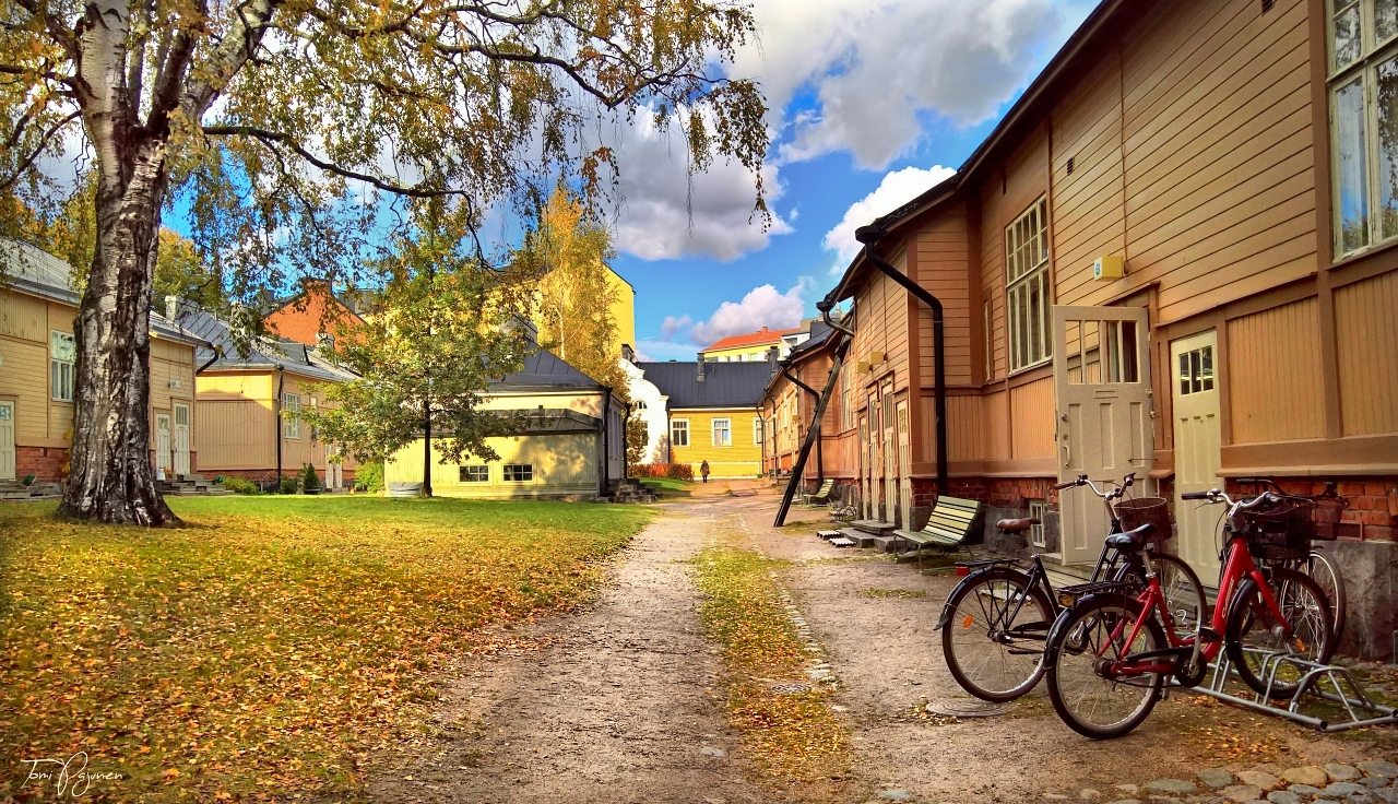 Old Houses in Helsinki by Pajunen