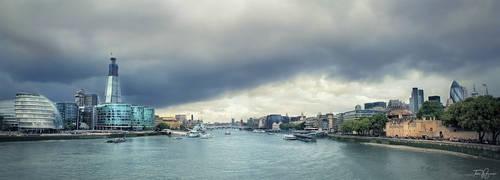 Thames by Pajunen