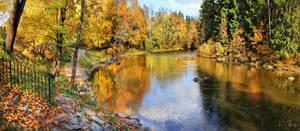 Autumn River by Pajunen