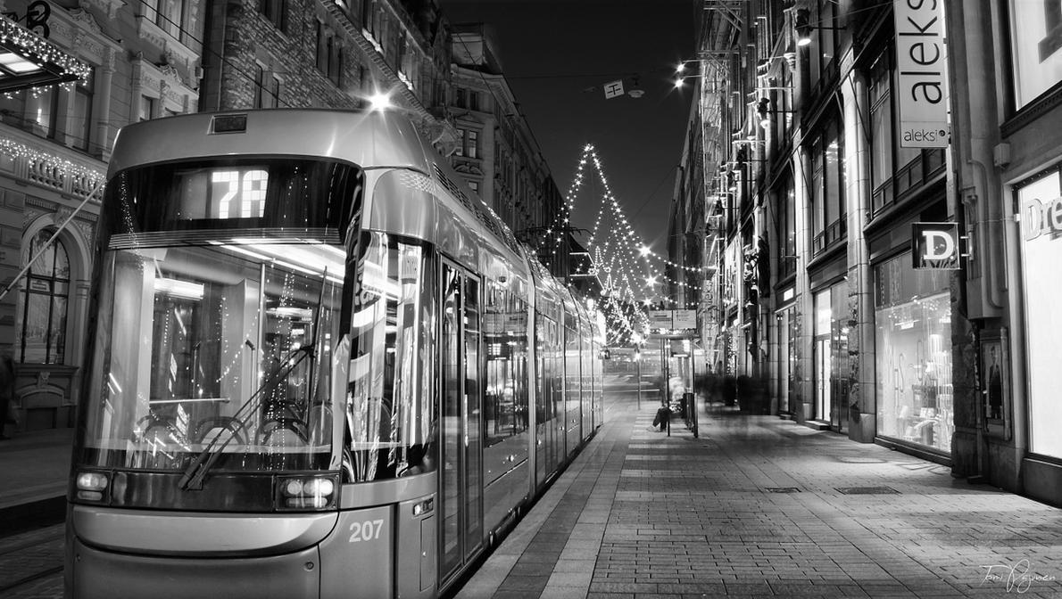 Tram 7A Helsinki bw by Pajunen