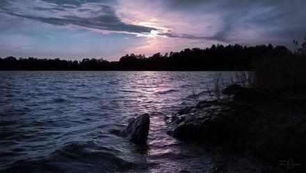 Night at the sea shore