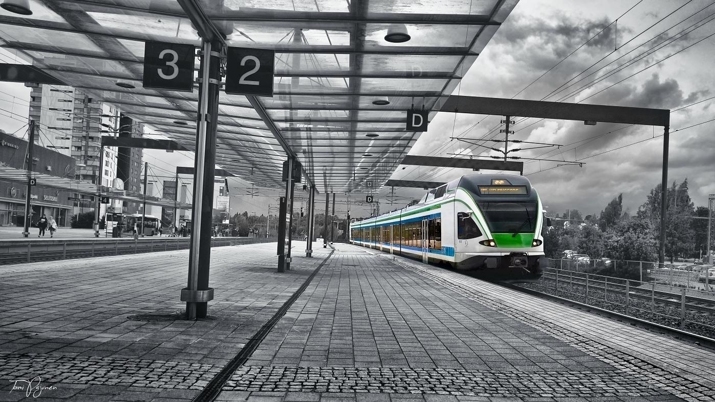 Train to Helsinki by Pajunen