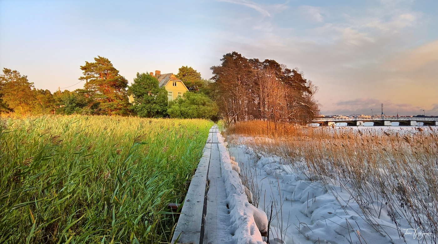 A seasonal panorama