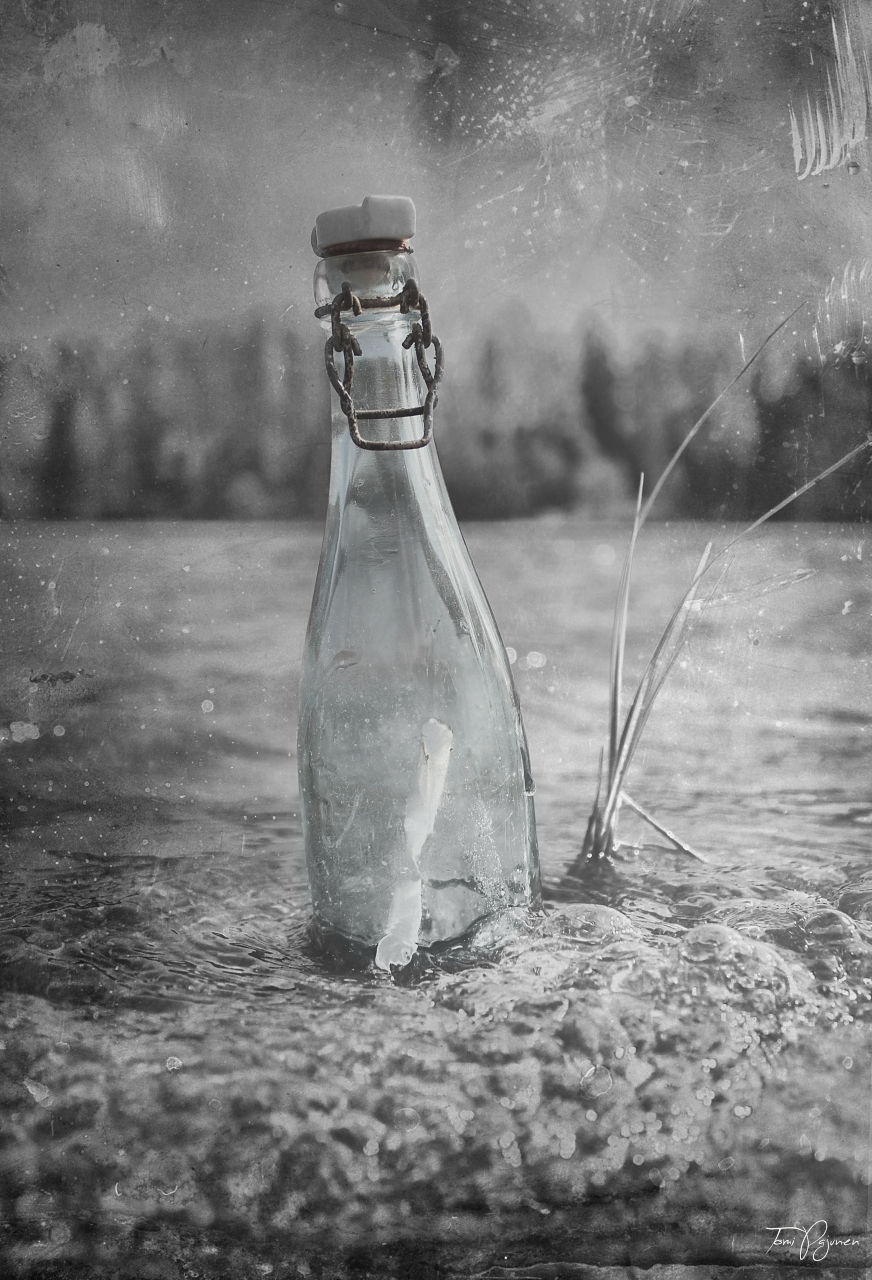 Message in a bottle by Pajunen