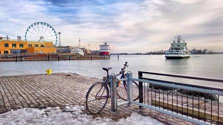 Kauppatori Helsinki by Pajunen
