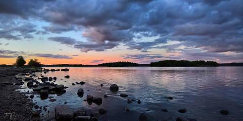 May evening on the seashore