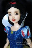 Snow White by kamarza