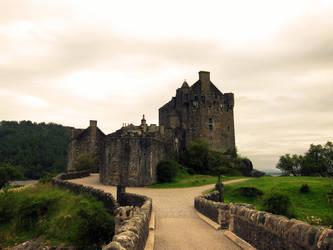 Eilean Donan Castle by Andarana