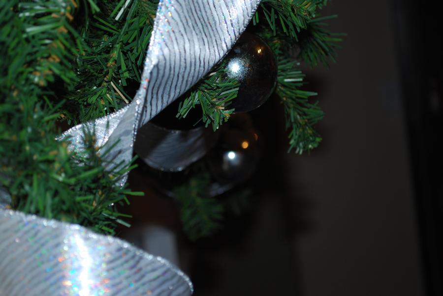 Silver Ribbon by deathkokoro