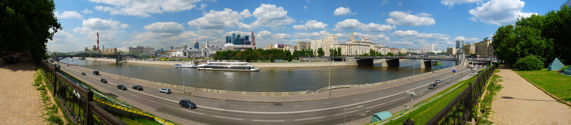 Moscow in Summer by EldarZakirov