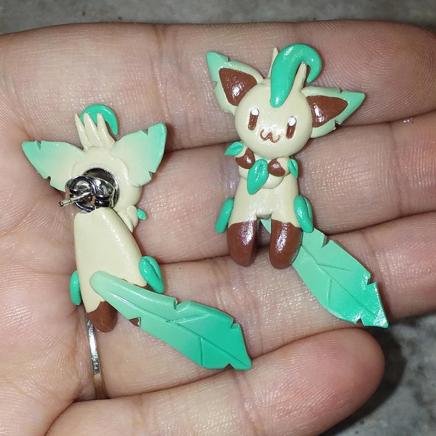 Leafeon Earrings by Micrackin
