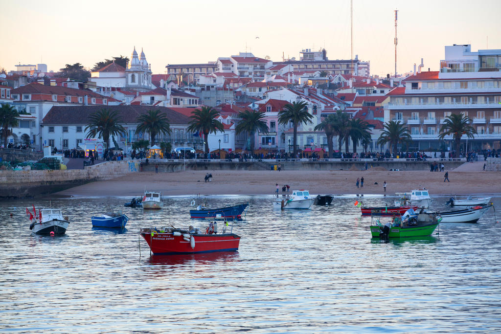 Boats of Cascais by olgaFI