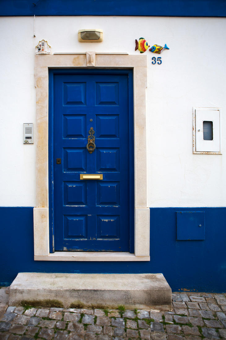 Doors of Albufeira by olgaFI