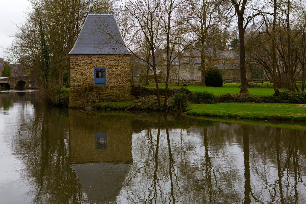 Village in Brittany by olgaFI