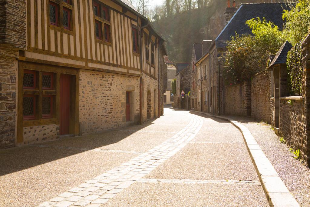 Streets of Fougeres by olgaFI