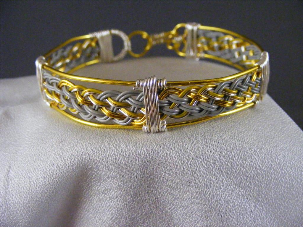 Derpy Bracelet - better color by lisagems