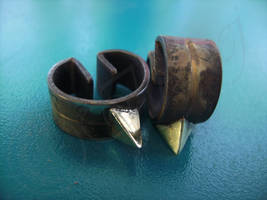TP Zelda Earrings by Ilionej