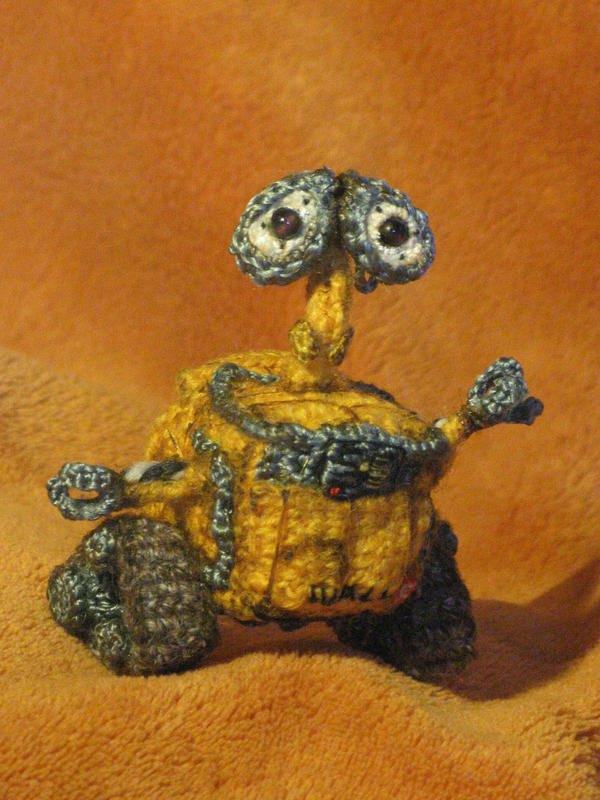 Wall-E made in crochet by mellisea