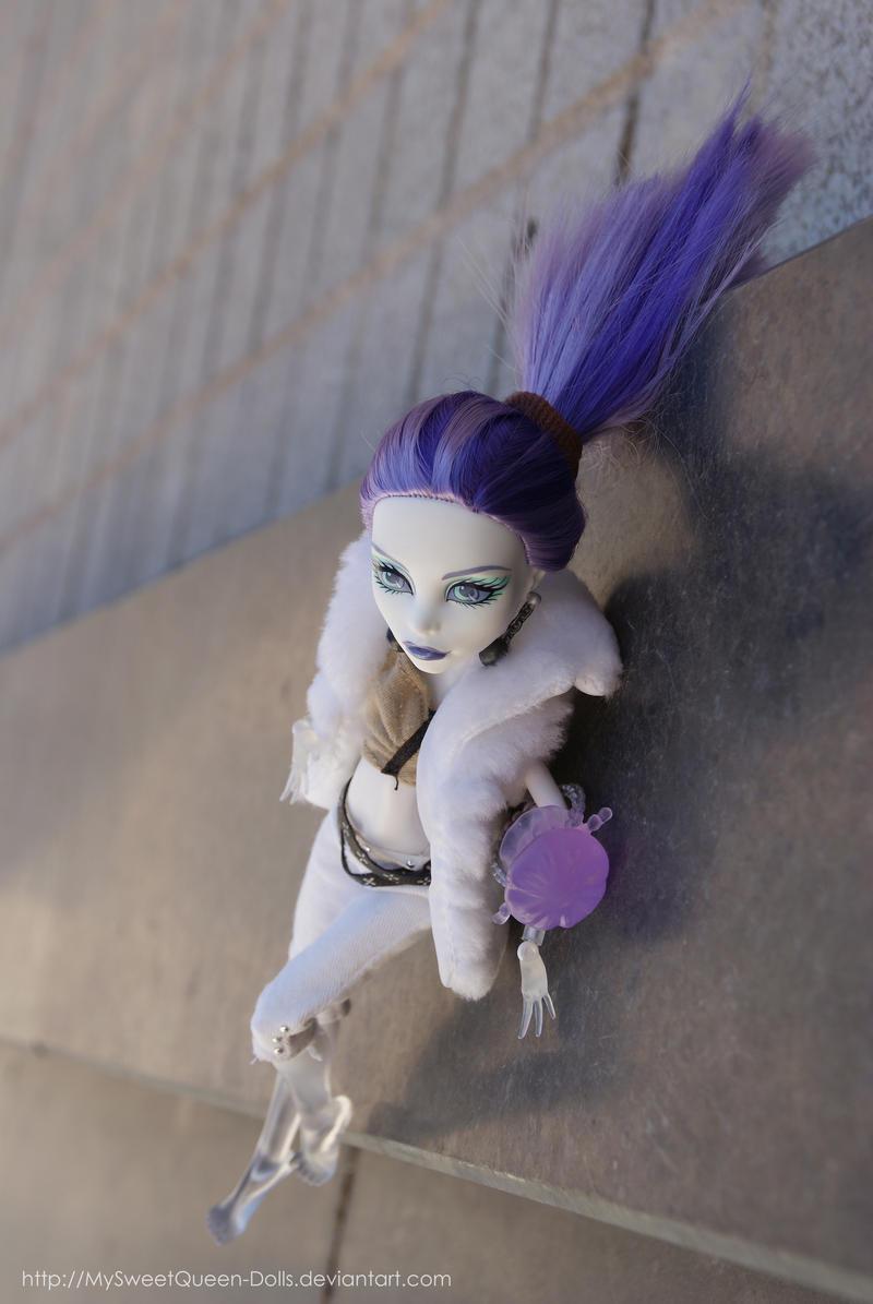 V e r t i g o by MySweetQueen-Dolls